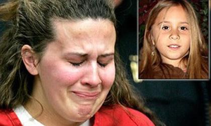 Bé gái 8 tuổi đột ngột mất tích và quá khứ đen rợn người của cô trông trẻ