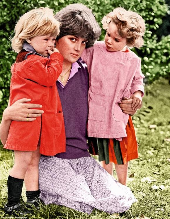 Bộ ảnh Công nương Diana từ thuở thiếu thời chưa từng được biết đến trước đây - Ảnh 11.