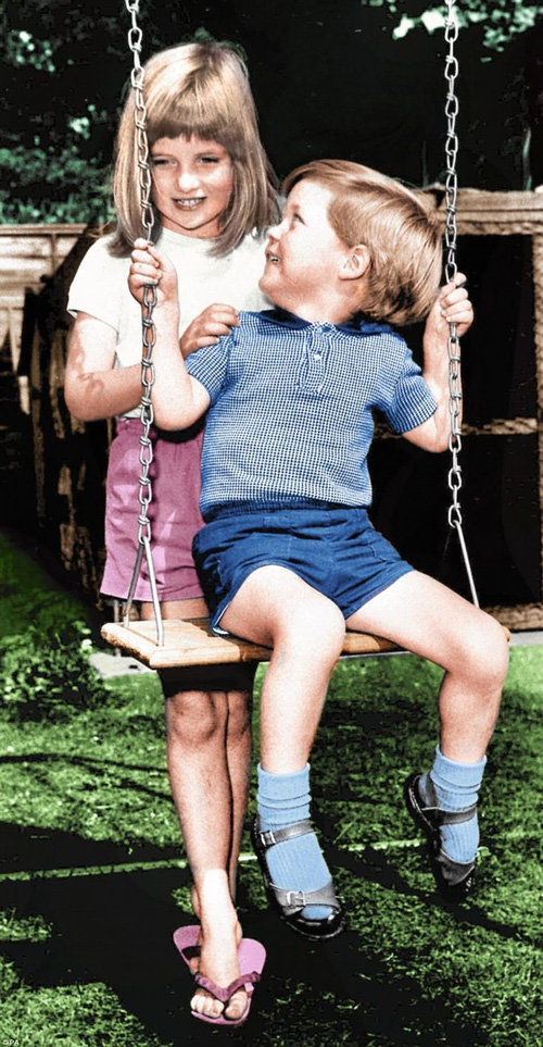 Bộ ảnh Công nương Diana từ thuở thiếu thời chưa từng được biết đến trước đây - Ảnh 7.