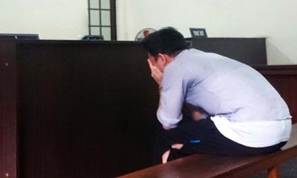 Bị côn đồ đuổi chém vô cớ, 9X gây án mạng khóc tức tưởi