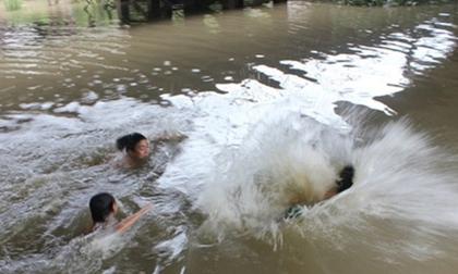 Hải Dương: Cứu em trai đuối nước, chị chết thảm dưới sông