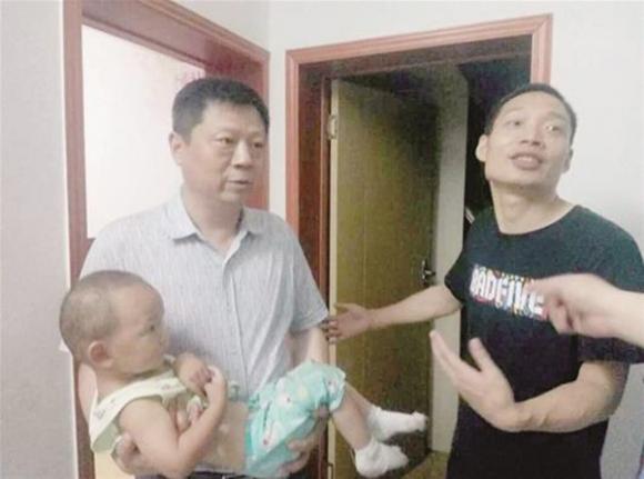 Vì hơn 3000 đồng, bé trai 8 tuổi bắt cóc bé 18 tháng suốt 13 tiếng đồng hồ - Ảnh 2.