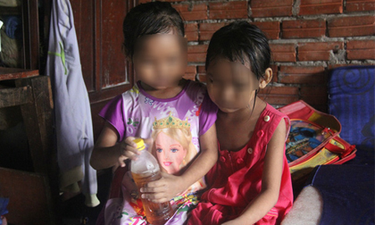 Hai bé song sinh 6 tuổi nghi bị hàng xóm dâm ô: Đã có quyết định khởi tố vụ án