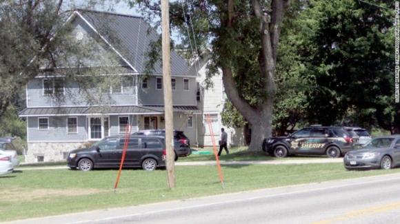 Mỹ: Một cậu bé 10 tuổi vô tình bắn chết anh trai trong trò chơi Cảnh sát và tên cướp - Ảnh 1.