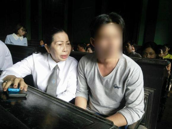 Bố bé gái 2,5 tuổi bị hiếp dâm phải nhập viện cấp cứu: Con bé cứ hỏi về vết sẹo trên cơ thể - Ảnh 5.