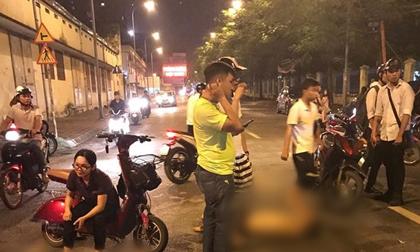 Hà Nội: Hai thanh niên say rượu đâm vào cô gái đang mang bầu, 4 người bị thương nặng