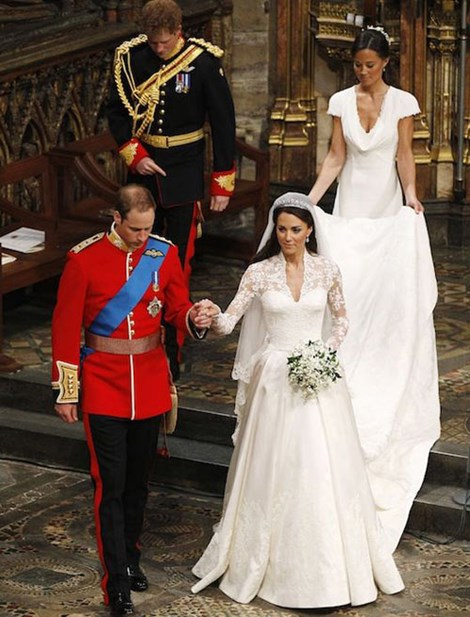 Mê mẩn những chiếc váy đắt nhất hành tinh đính toàn vàng và kim cương