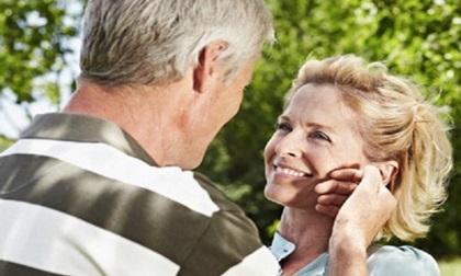 Phụ nữ tuổi 50 là rượu ủ lâu năm, đàn ông tuổi 50 là khung trời bình yên
