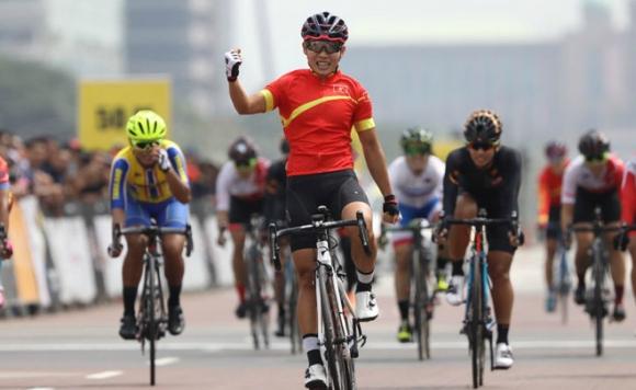 Những cô gái vàng làng thể thao: Trong vinh quang tự hào là tủi thân nước mắt - Ảnh 2.