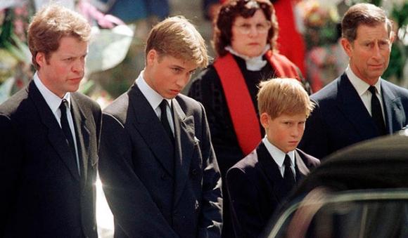 Sự ra đi của Công nương Diana: Nước Anh rúng động, tang thương và tỷ lệ tự tử tăng bất thường phía sau - Ảnh 6.