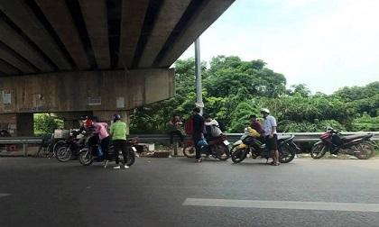 """Đinh tặc """"hạ gục"""" hàng loạt xe máy trên cao tốc Bắc Giang"""