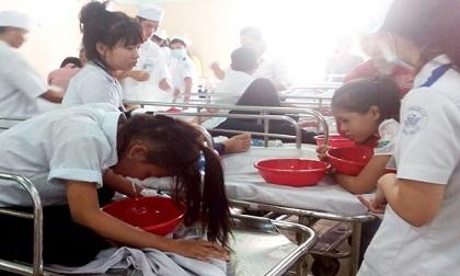 38 học sinh phải cấp cứu sau bữa cơm trưa