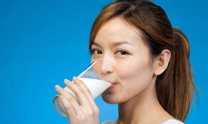 Uống sữa vào thời điểm này bạn đang nhận được kho báu dành cho sức khoẻ