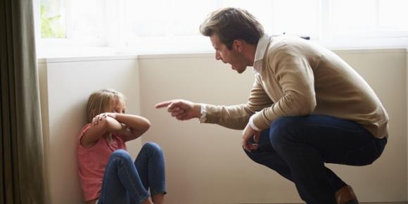 4 thời điểm tuyệt đối không nên phê bình giáo dục trẻ, bố mẹ nào cũng cần nhớ! - Ảnh 2.