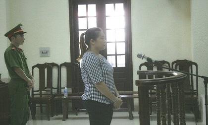 Nữ quái nhét hàng trăm viên ma túy trong áo ngực lĩnh 8 năm tù