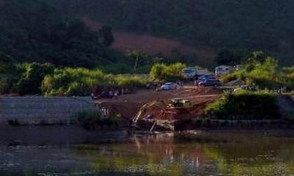 Ngăn dòng chảy, tìm 3 người mất tích vụ sập cầu ở Tuyên Quang