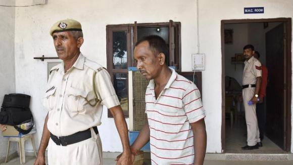 Bé trai 7 tuổi bị nhân viên thu vé sát hại dã man sau khi xâm hại không thành - Ảnh 3.