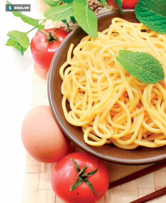 Nếu không muốn hại sức khỏe, hãy nhớ 14 loại thức ăn bạn không nên gọi khi đi ăn ở ngoài - Ảnh 2.