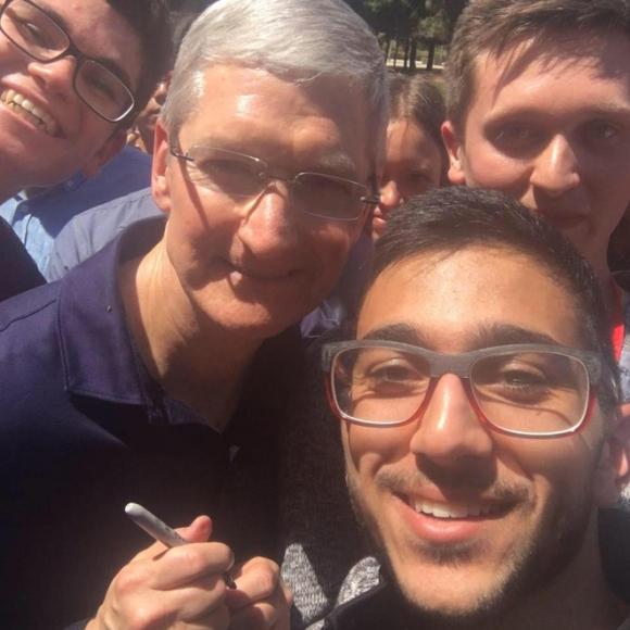 Fan cuồng iPhone cố thủ tại Apple Store từ hôm nay, được trả 1 tỷ đồng cũng không bán chỗ - Ảnh 5.
