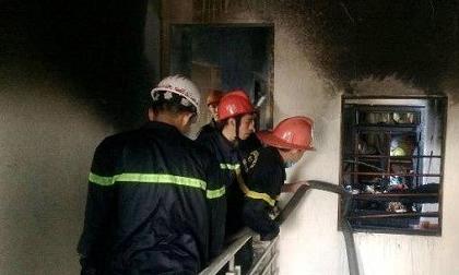 Nhà 2 tầng bốc cháy, 4 người thoát chết trong gang tấc