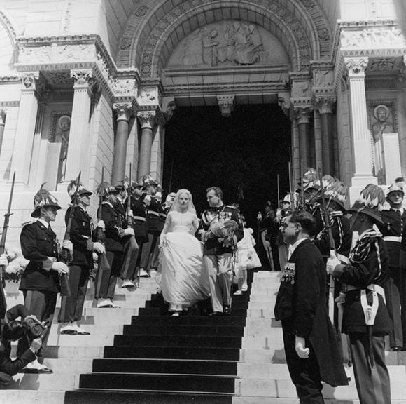 Toàn cảnh đám cưới thế kỷ vươt mặt cả ngày trọng đại của công nương Kate - hoàng tử William về độ xa hoa - Ảnh 6.