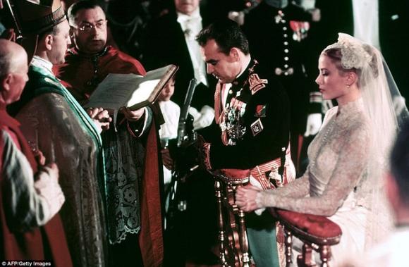 Toàn cảnh đám cưới thế kỷ vươt mặt cả ngày trọng đại của công nương Kate - hoàng tử William về độ xa hoa - Ảnh 4.