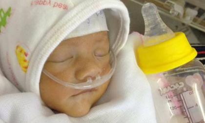 Hà Nội: Bé gái sinh non chỉ nặng 1,4 kg bị mẹ đưa đến bệnh viện rồi bỏ rơi
