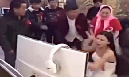 Cô dâu mải chơi điện tử, đến giờ cưới gia đình phải ra quán net kéo về