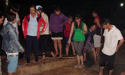 Nam sinh lớp 4 bị lọt xuống mương thoát nước mất tích trong cơn mưa