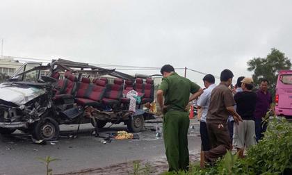 Nhân chứng vụ tai nạn 6 người chết: Sau tiếng nổ như bom, chiếc xe bị xé toang mái và hông
