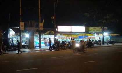 Đầu bếp bị đâm gục trước quán nhậu ở Sài Gòn