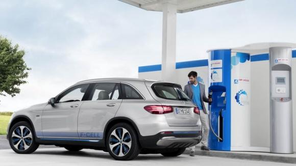 Mercedes-Benz GLC F-Cell: Xe không cần xăng - 2