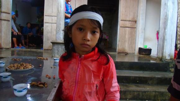 Người phụ nữ bị lũ cuốn trôi khi đưa cháu đi học: Nạn nhân về nước mới 4 ngày, con trai vừa 6 tháng tuổi - Ảnh 2.