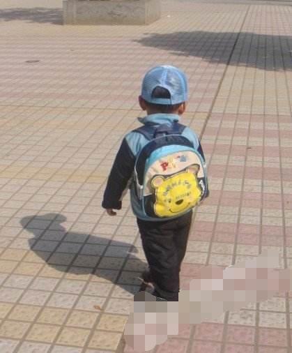 Bé trai 4 tuổi là con của anh Dương