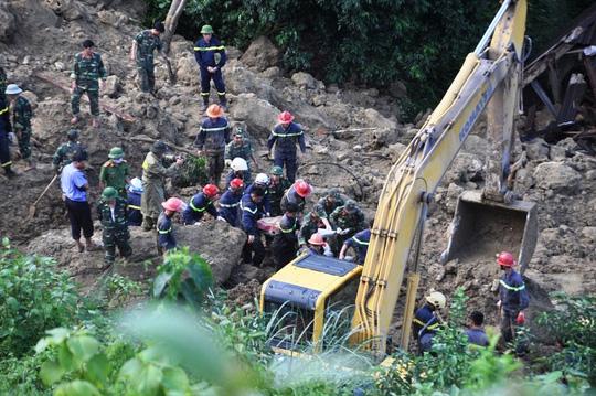 Thiệt hại quá nặng nề do mưa lũ: 93 người chết và mất tích - Ảnh 1.