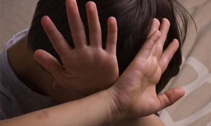 Công an vào cuộc vụ bé trai tố phụ nữ 57 tuổi xâm hại