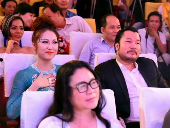 Bạn trai mới của Phi Thanh Vân bị bóc mẽ mới hơn 30 tuổi, là đại gia ảo và quỵt tiền không trả - Ảnh 2.