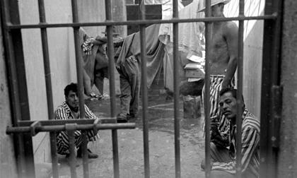 Kỳ án trốn trại: Khi trùm ma túy 'núp' váy phụ nữ!
