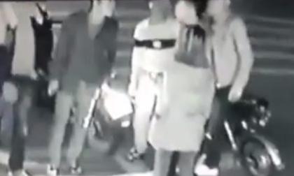 Thanh niên bị đâm nguy kịch khi bảo vệ bạn gái