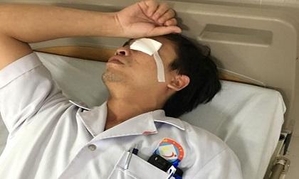 Quảng Bình: Người nhà bệnh nhân đánh bác sĩ bất tỉnh, chảy máu vùng mặt