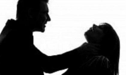 Ly hôn vẫn ở chung nhà, thiếu phụ chết thảm vì dẫn nhân tình về