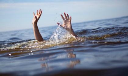 2 nữ sinh lớp 7 chết đuối khi chơi đùa ở đập xả lũ