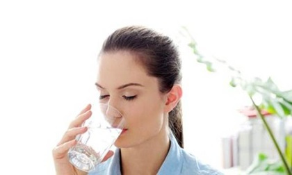 Uống nước theo đúng cách này vừa ngừa ung thư lại hạn chế được bệnh tim mạch, luôn trẻ khỏe