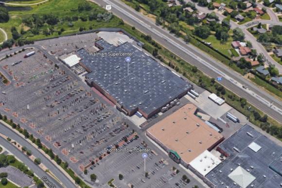 Nóng: Xả súng bên trong siêu thị Walmart (Mỹ), ít nhất 2 người thiệt mạng, nhiều người bị thương - Ảnh 1.