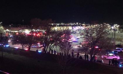 Xả súng bên trong siêu thị Walmart (Mỹ), ít nhất 2 người thiệt mạng, nhiều người bị thương