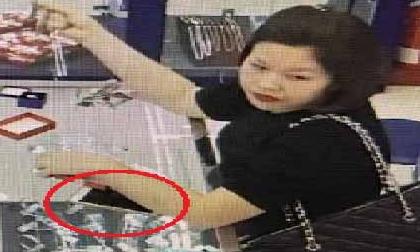 Truy tìm 'hot girl' vờ mua trang sức rồi cuỗm điện thoại