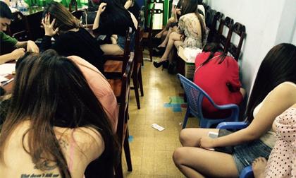 Đột kích nhà hàng ở trung tâm Sài Gòn, tạm giữ 37 người trong đó 24 người dương tính với ma túy