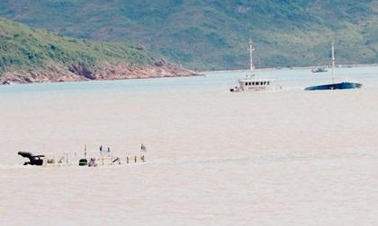 Xót xa 'nghĩa địa' tàu hàng trăm tỷ chìm trên biển Quy Nhơn