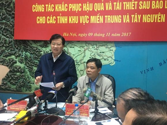 Phó thủ tướng Trịnh Đình Dũng chủ trì hội nghị. Ảnh: TM.
