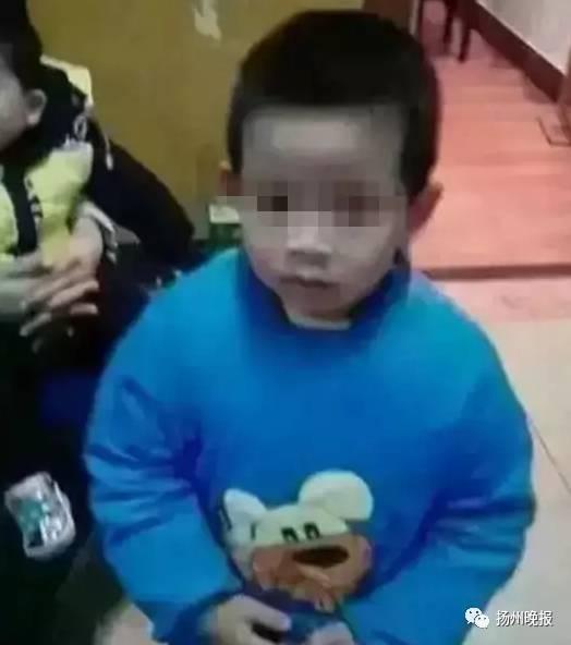 Bé trai 4 tuổi bị mẹ nhẫn tâm siết cổ đến chết rồi giấu xác dưới giường vì không nghe lời - Ảnh 1.